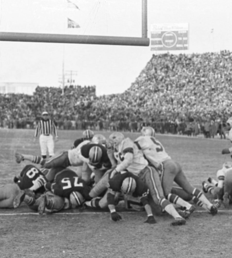 7-Memorable-Games-900x1000-(Green-Bay-Press-Gazette)